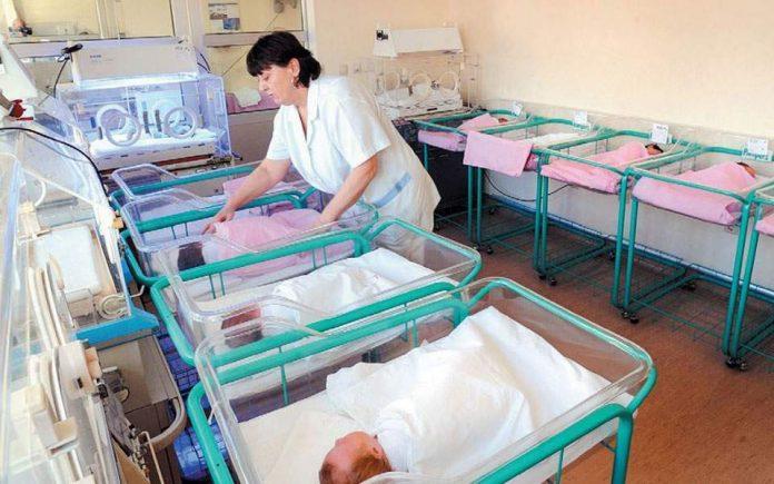 Стартират опростен процес за регистрация на ражданията в Гърция