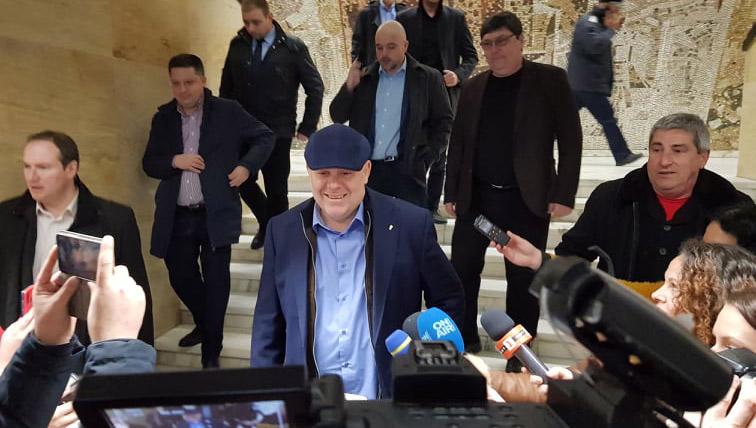 Гешев в Благоевград: Божков си е пазил бланката за криминална регистрация като трофей