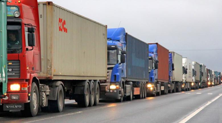 Опашки от камиони по границата ще се вият от 1 март