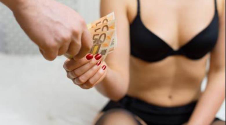 Варненски ученички забогатяха от платен секс