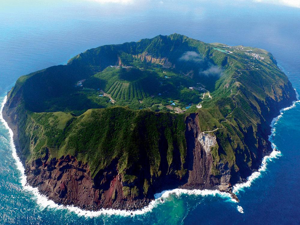 Почивка в кратера на двоен вулкан или сауна от недрата на земята