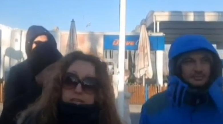 Бедстващи в Банско: Изкарахме кошмарна нощ навън, пуснете ни