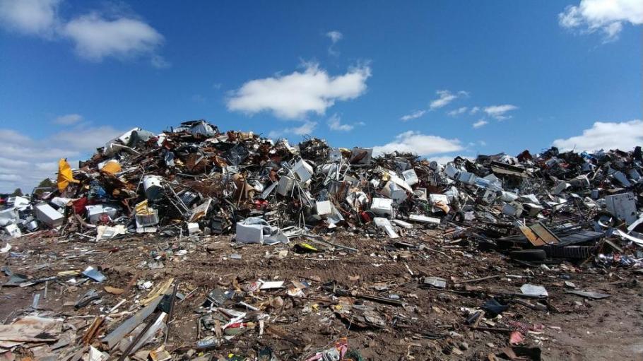 Глобиха с 5000 лв. община Невестино за незаконно сметище