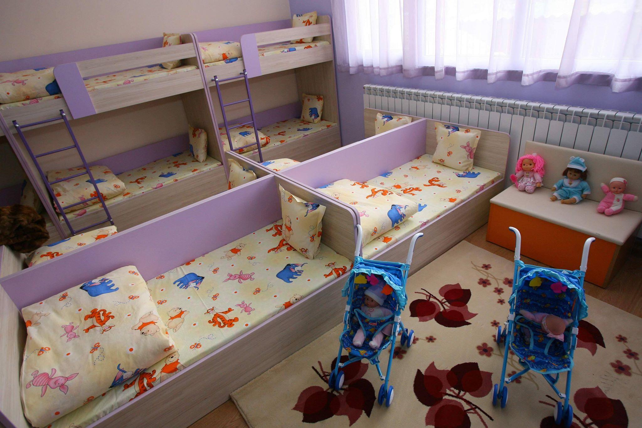 Томов отложи подаването на документите за детските градини и ясли с 1 месец