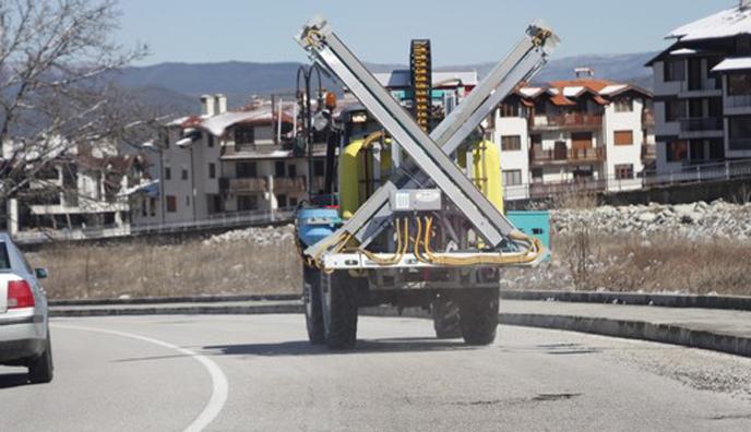 Дезинфекцираха площади и улици в Банско и Добринище