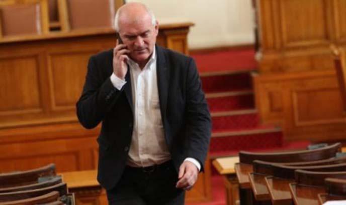 Депутатите от ГЕРБ даряват 1000 лв. от заплатите си