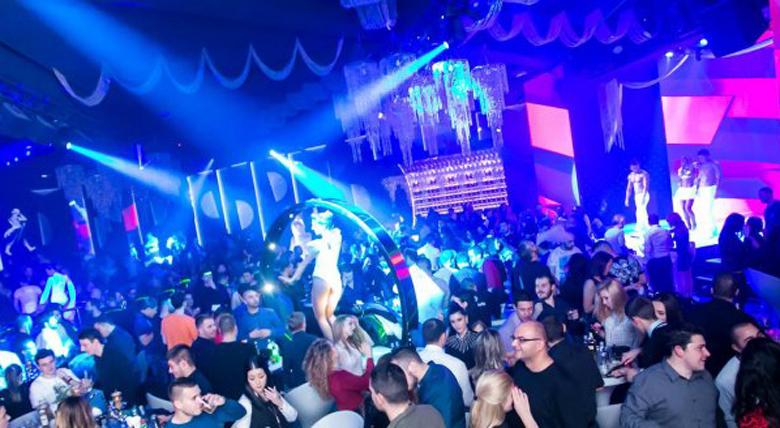 Санкционираха нощни клубове за неспазване на забраните