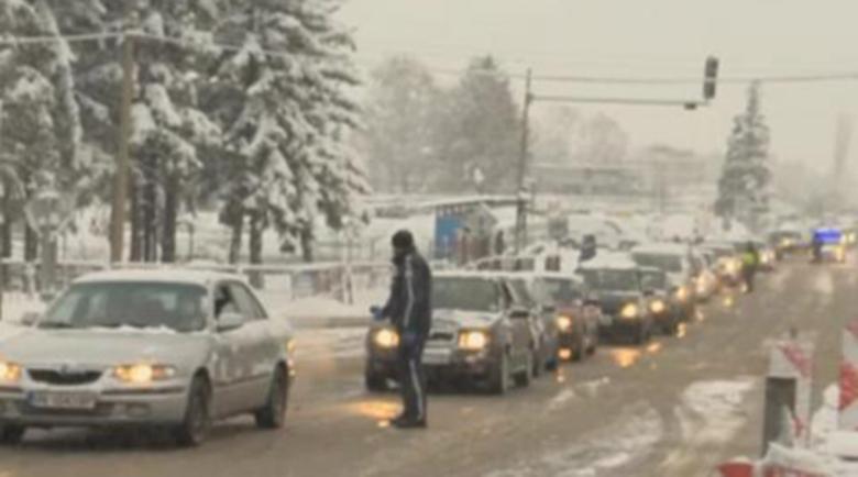 Опашки на входа за София от Драгичево заради проверките