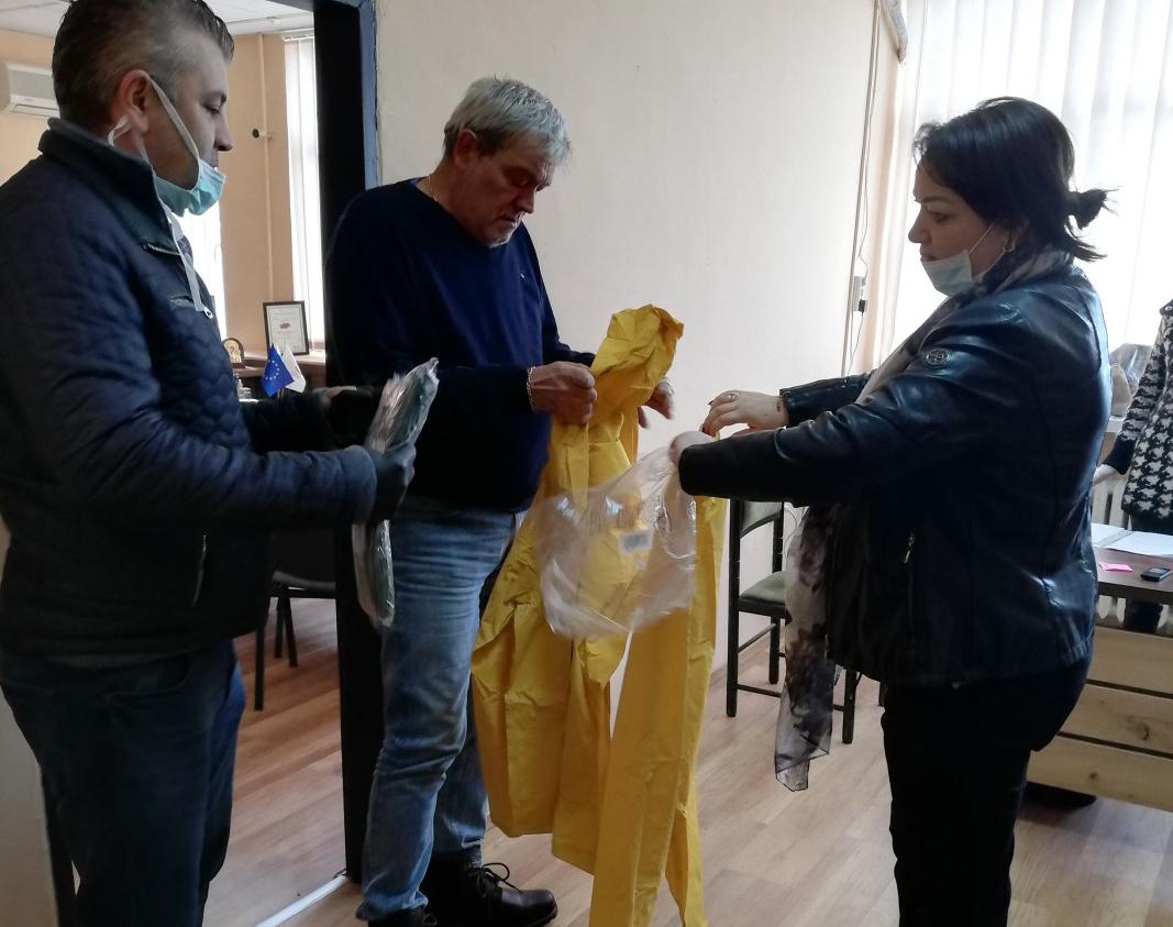 ГЕРБ-Благоевград с дарение за медиците в болницата