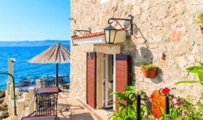 Разпродават жилища на цена под 1 евро в Хърватия