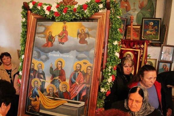 Старинна икона на Богородица от храма в Мелник прогонва чумата