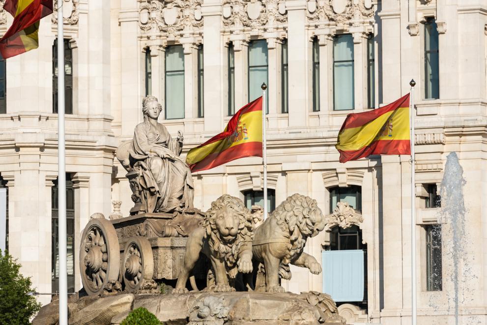 Испания затваря всички хотели, за да спре заразата