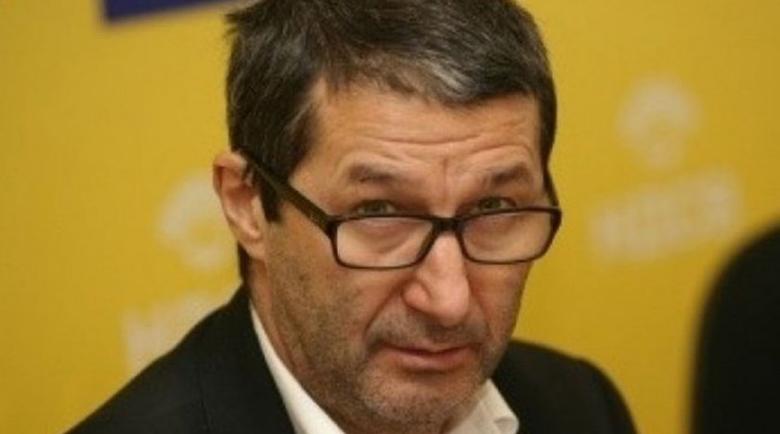 Каролев: Блокираха Банско заради четирима, а в парламента са трима, но без карантина