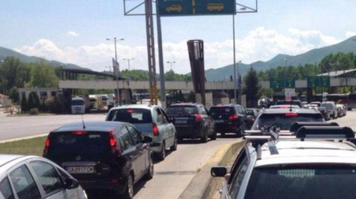Министър Маринов: Границите остават отворени