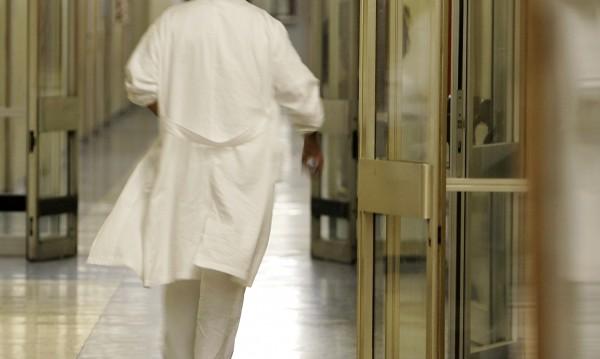 В Петрич стабилизираха пациента с коронавирус, състоянието му е добро