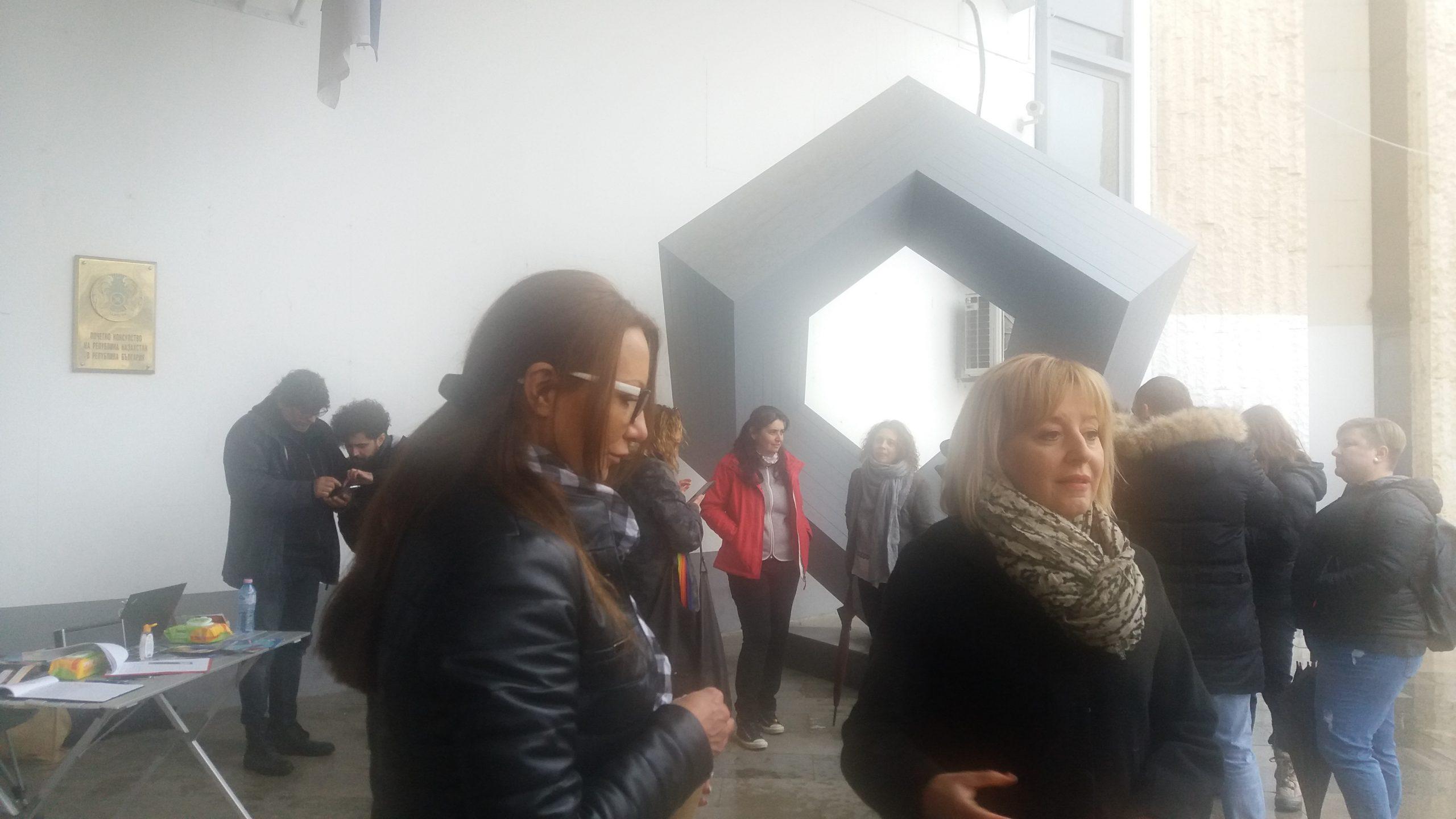 Мая Манолова и кметът Румен Томов се подписаха срещу мръсния въздух