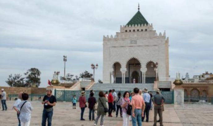 Десетки българи са блокирани на екскурзия в Мароко