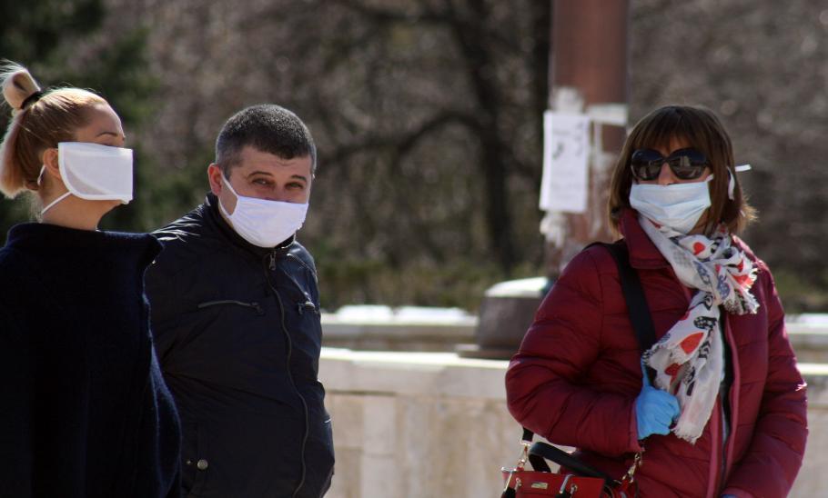 Министърът разпореди: Всички с маска на открито и закрито! МВР ще глобява!