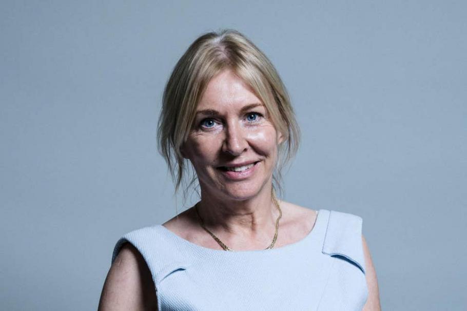 Министър на здравеопазването на Острова заразена с COVID-19