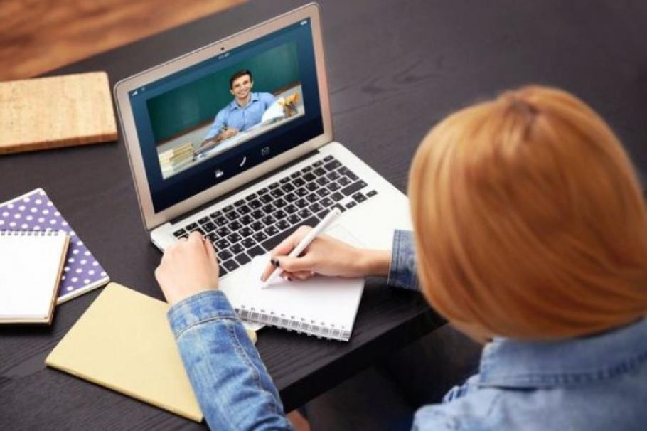 БНТ2 пуска първите два видеоурока за учениците