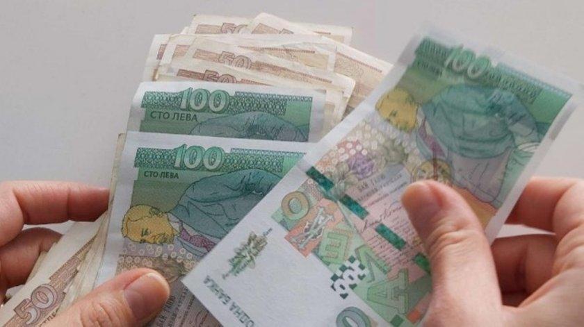 Българските политици се ослушват, а в цял свят ежедневно даряват пари