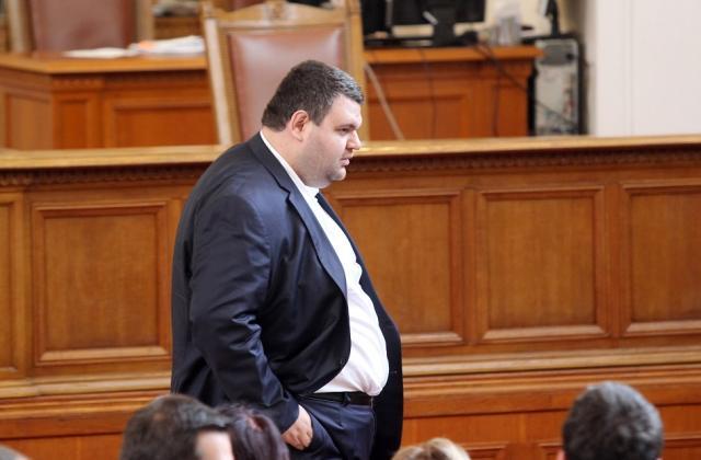 """Пеевски станал един от най-големите дарители на болница """"Пирогов"""""""