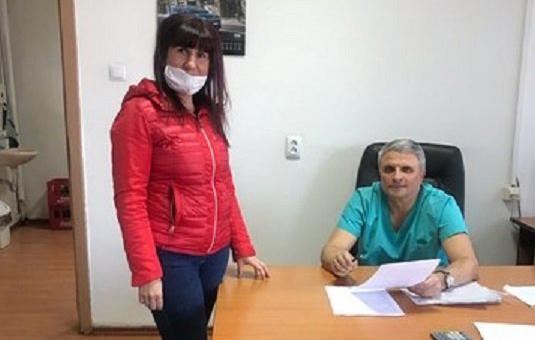 Добрият Пеевски преведе 5000 лв. и на болницата в Перник