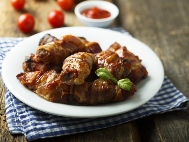 Пилешки гърди увити в бекон