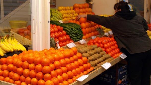 Антигрипно: Разграбват се цитрусите, щайгите в магазините празни