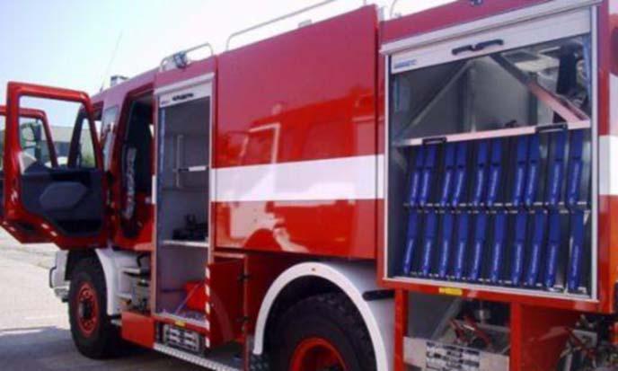 """""""Ауди"""" избухна в пламъци в Разлог, апартамент горя в Сандански"""