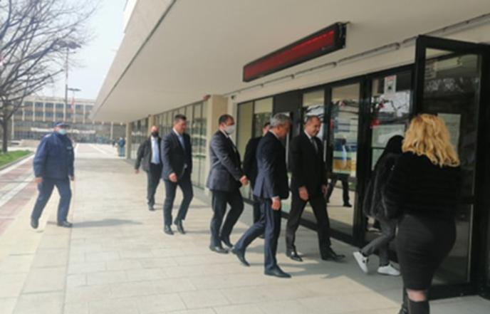 Президентът пристигна в Благоевград за заседанието на кризисния щаб