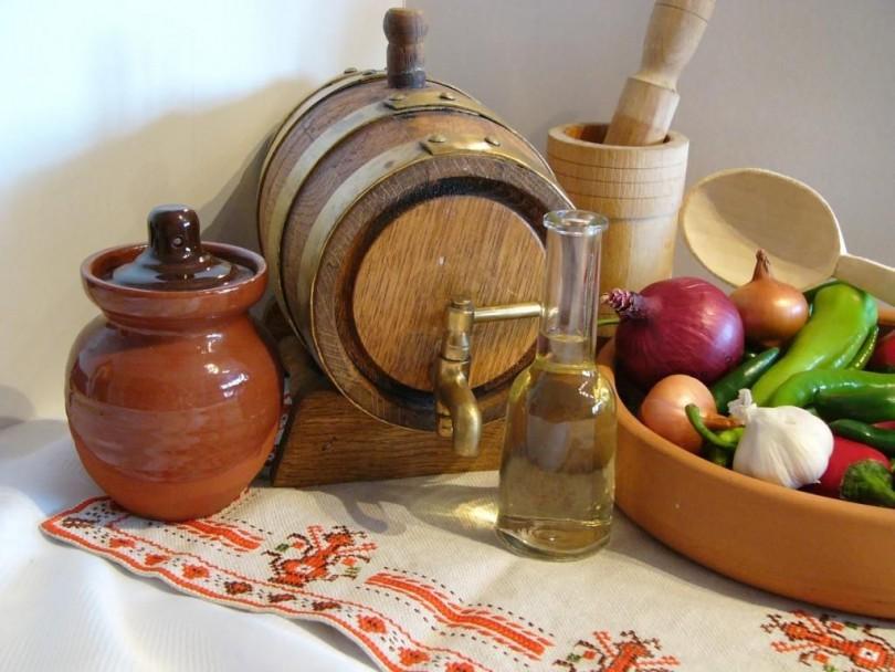 Сода, ракия или мед махат налепи в гърлото