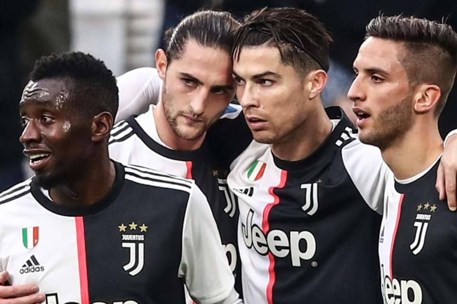 Роналдо без заплата за 4 месеца, Меси се дърпа