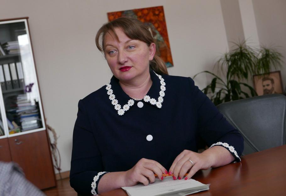 Министър Сачева: Пенсии ще има, но доходите ще намалеят