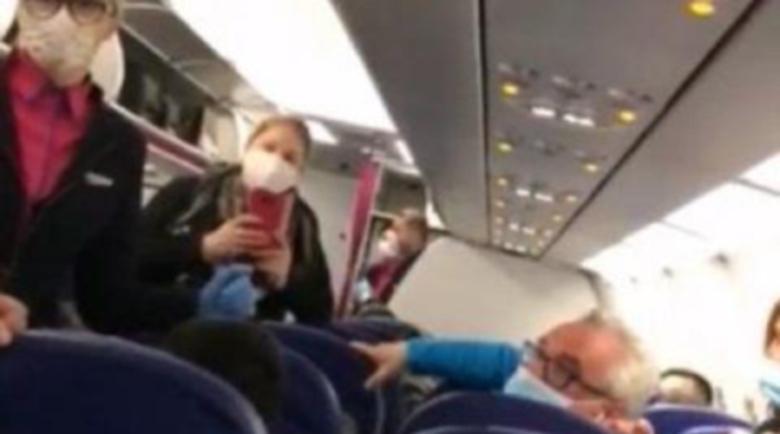 Българи свалиха англичани от самолета заради страх от коронавирус