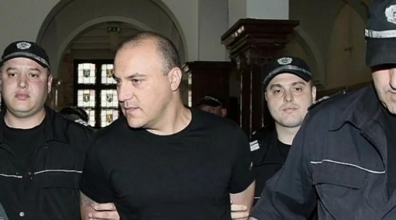 Пуснаха предсрочно банковия обирджия, взел 6 заложнички в Сливен