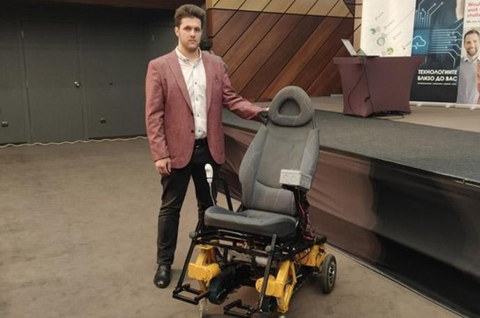 Ученик изобрети инвалидна количка за изкачване на стълби