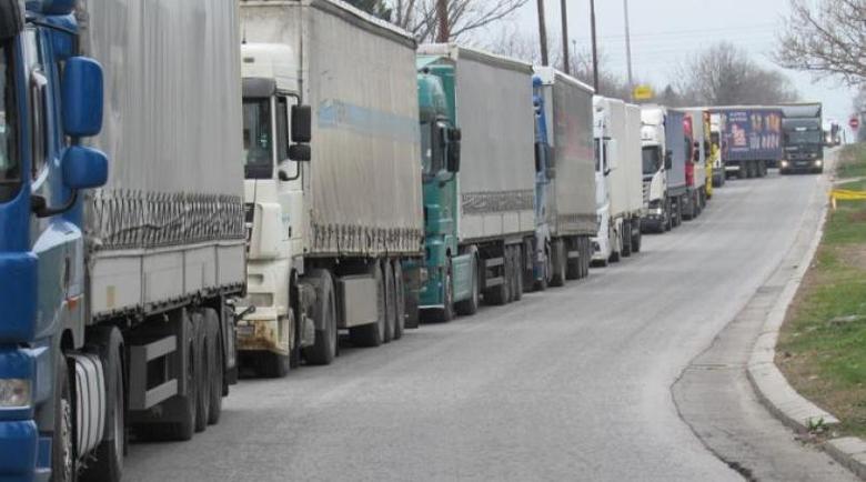 Трети конвой с български тирове премина през италианско-словенската граница