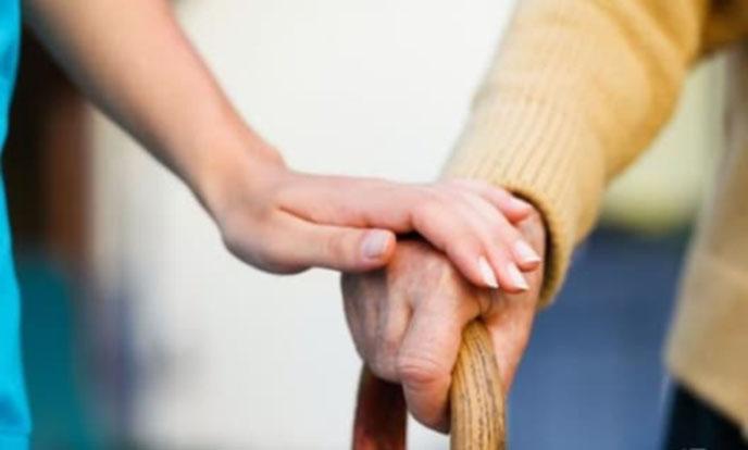 И в Кресна помагат на възрастни хора и майки по домовете