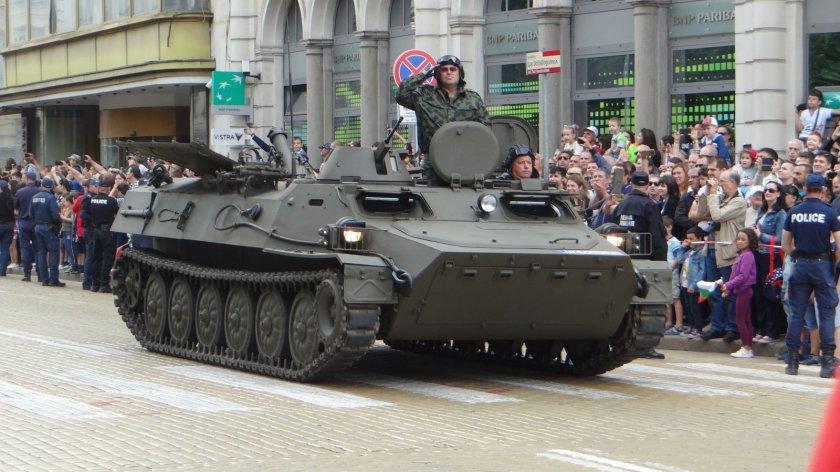 Без танкове по улиците, но армията ще може да арестува хора