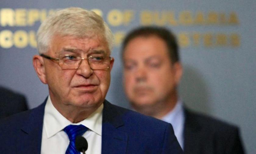 Масово искат оставката на здравния министър заради… 100 милиона лева