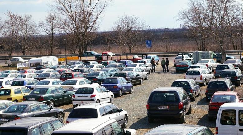 Автотърговците в Дупница се отказаха да протестират, засега