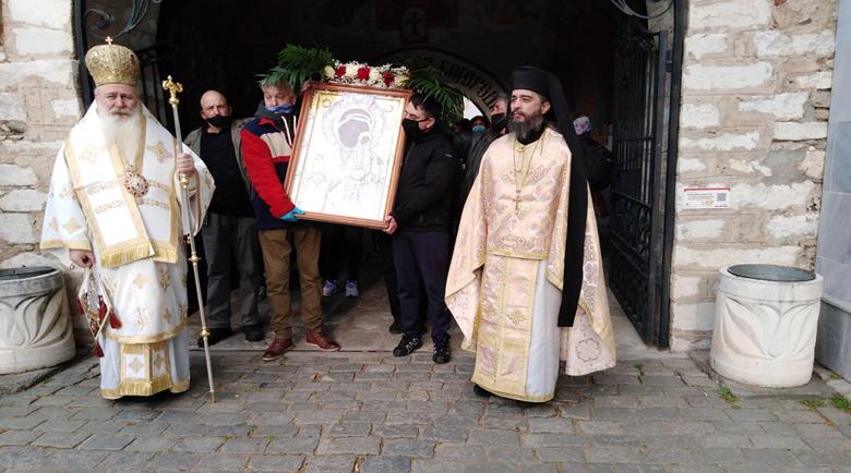 Игуменът на Бачковския манастир: Молим се за лекарите и за всички на първа линия