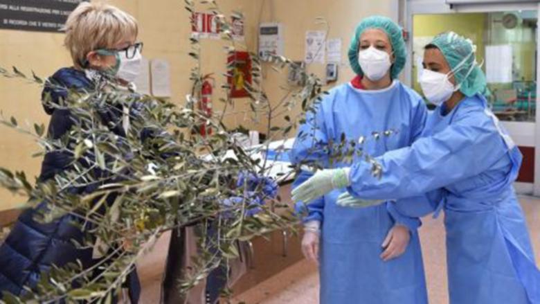 Българска медсестра в Италия: Постоянно сме с пациентите, не ги оставяме сами