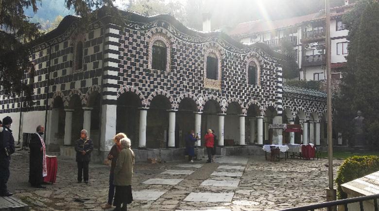 Няма струпване на хора в черквата в Благоевград на Разпети петък