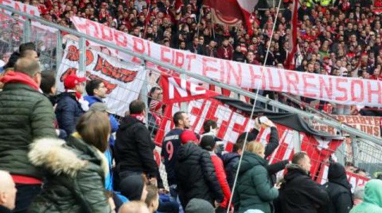 В Бундеслигата: На мач може да присъстват точно 239 души