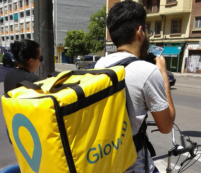 Гръцките онлайн супермаркети зарити от обаждания, оказват се неподготвени за кризата