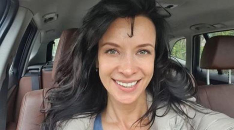 Яна Маринова се грижи за дъщерята на бившия си