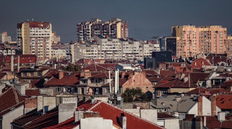 Пазарът на имотите в Благоевград – брокери отказват огледи, нотариуси работят ротационно