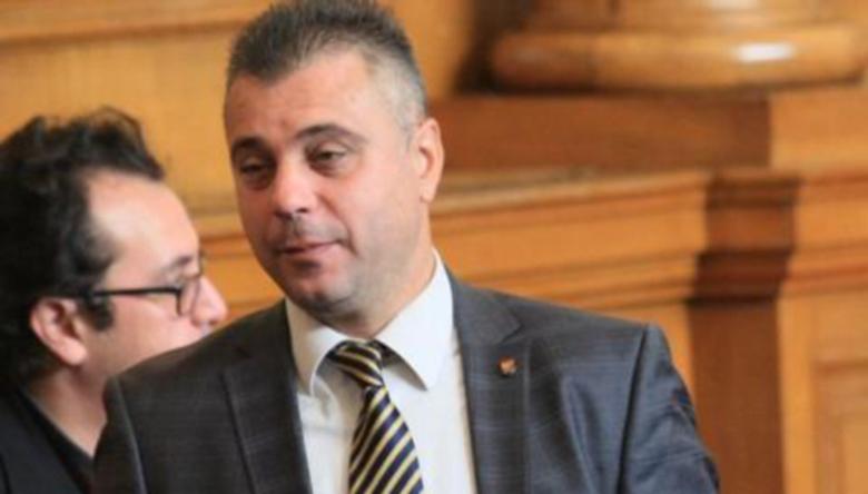 Ангелов: Депутатските заплати на 50% до изтичане на извънредното положение